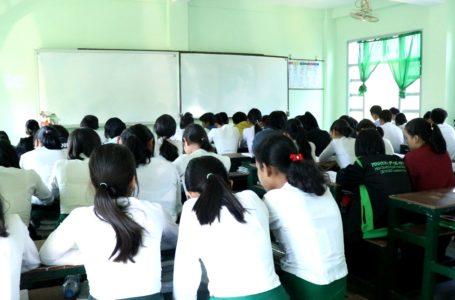 တက္ကသိုလ်ဝင်တန်း စာမေးပွဲအဖြေလွှာများကို ကုတ်စနစ် စတင်စစ်ဆေးနေ