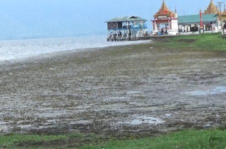 မိုးရာသီဝင်သော်လည်း အင်းတော်ကြီးအိုင် တိမ်ကောနေဆဲ