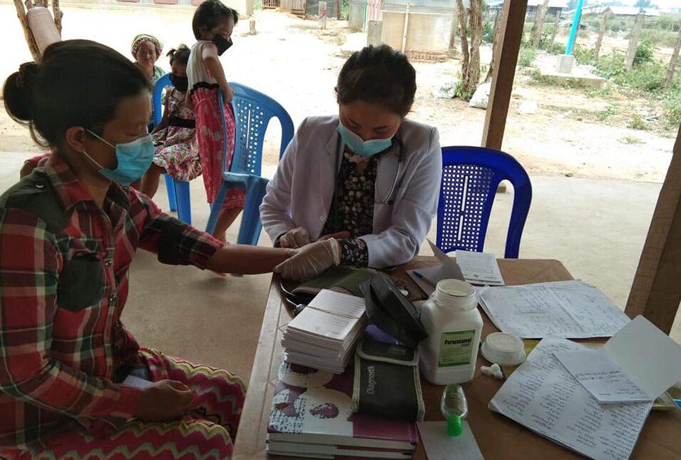 နယ်လှည့်ဆေးကုမှုကို ပိတ်ပင်မှုကြောင့် ကျေးလက်ပြည်သူများ၏ ပုံမှန်ကျန်းမာရေးစောင့်ရှောက်မှု ထိခိုက်မည်ကိုစိုးရိမ်