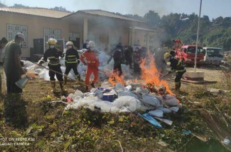 UEC ညွန်ကြားမှုဖြင့်ဖားကန့်မြို့နယ် ၂၀၁၅ ရွေးကောက်ပွဲ မဲစာရင်းဟောင်းများကို မီးရှို့ဖျက်ဆီး
