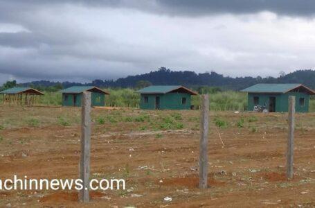 ဝါရာဇွပ်ကျေးရွာနေအိမ်တစ်ခုကို အာဏာသိမ်းစစ်တပ်က သွားရောက်ပစ်ခတ်