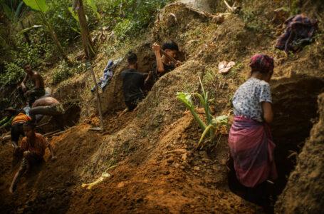 ကချင်ပြည်သူများ စစ်ပွဲအတွက် မြေကတုတ်ကျင်းများတူးကာ ပြင်ဆင်