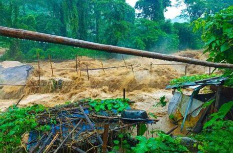 မိုးသည်းထန်စွာ ရွာသွန်းမူကြောင့် မြေပြိုကျကာ စစ်ရှောင်ပြည်သူတစ်ဦး သေဆုံး